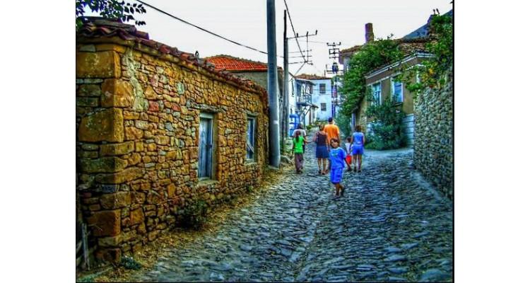 Gökçeada-arnavut kaldırımlı sokaklar