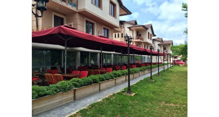 ομπρέλες-εστιατόρια