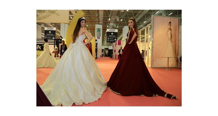 wedding-fair-models